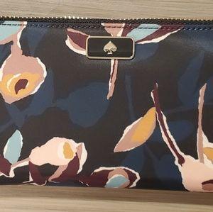 Kate Spade - large zip wallet